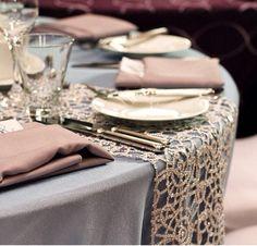 caminos para mesas de boda en color champagne