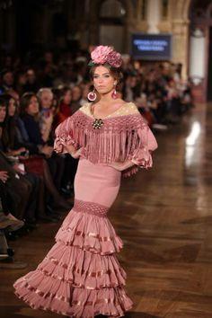 Moda Flamenca en DeFlamenco.comy En Rosa!
