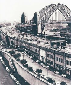 Ennis Rd and the northern approach to the Sydney Harbour Bridge in Historic Architecture, Sacred Architecture, Old Pictures, Old Photos, Sydney Australia Travel, Australian Continent, As Time Goes By, Bridge Design, Sense Of Place