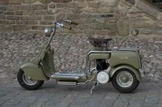 Throwback Thursday: 1947 Lambretta (A). The first Lambretta, produced by Ferdinando Innocenti, a steel-tubing manufacturer. Inspired by the Cushman scooters used by American military. Lambretta Scooter, Scooter Motorcycle, Vintage Motorcycles, Cars Motorcycles, Vintage Cycles, Motor Scooters, Mini Bike, Super Bikes, Bike Design
