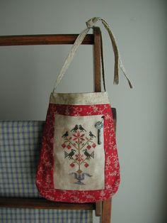 Quaker Motif Bag