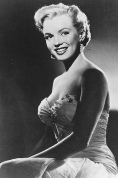 Marilyn Monroe …. #marilynmonroe #pinup #monroe #normajeane #hollywoodicon #iconic