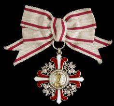Order of Elizabeth, 2nd Class breast badge.