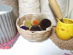 종이끈 바구니 / 초간단 바구니만들기 / 지끈공예 : 네이버 블로그 Paper Weaving, Diy Crafts Hacks, Art Projects, Basket, Blog, How To Make, Knots, Hobbies, Diy