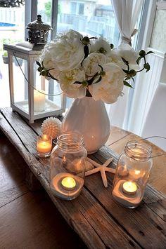 テーブルにキャンドルを置くと、炎の揺らぎで心地よくなるので、穏やかな気持ちになりたい時はぜひ取り入れてみてください。