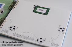 Los álbumes de comunión de fútbol son los que más gustan a los niños. El que muestro hoy tiene como novedad un desplegable para fotos de 10x...