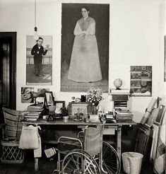 Frida Kahlo: The Gisèle Freund Photographs · Miss Moss Rare Images, Rare Photos, Photography Women, Amazing Photography, Food Photography, Frida And Diego, Miss Moss, Diego Rivera, Life Magazine