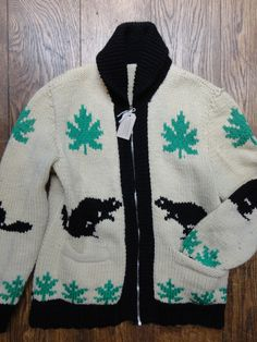 9a6f176f69 Vintage 1960s 60s white cream black green chunky knit knitted cowichan  sweater cardigan 44