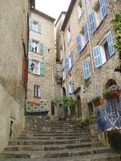 rue étroite de Fayence, Provence