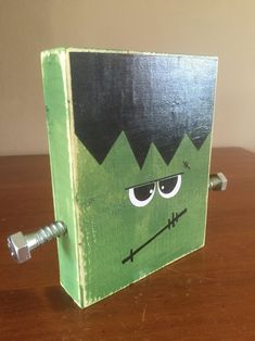 Seasonal home decor for fall and halloween decorating. Wood Frankenstein head is about 7 inches tall and inches wide. Halloween Blocks, Halloween Wood Signs, Halloween Wood Crafts, Fete Halloween, Halloween Home Decor, Diy Halloween Decorations, Halloween House, Holidays Halloween, Halloween Art Projects