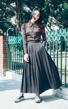 適合我的酒紅色風格、古著洋裝、百折長裙、高筒帆布鞋、173 ESPEC.、CONVERSE的穿搭