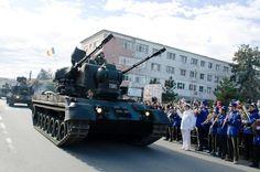 """ZIUA NAŢIONALĂ A ROMÂNIEI SĂRBĂTORITĂ LA MEDGIDIA • Regimentul 53 Rachete Antiaeriene """"Tropaeum Traiani"""" a organizat o serie de activităţi cu ocazia sărbătoririi Zilei Naţionale a României. Military Vehicles, Competition, Exercise, Train, Image, Pictures, Ejercicio, Army Vehicles, Excercise"""