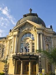 Vígszínház , th theater in Újlipótváros