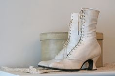 No21 Victorian / Edwardian Wedding boots in ivory leather