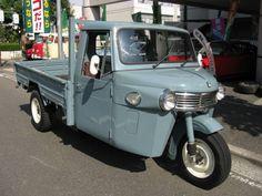 Daihatsu Midget 2 Auto three-wheeled