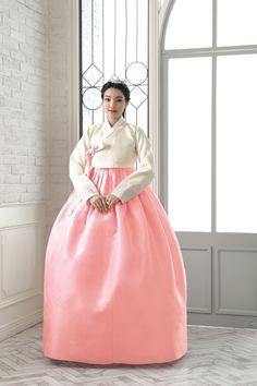 Korean Traditional Dress, Traditional Fashion, Traditional Dresses, Dress Outfits, Dress Up, High Neck Dress, Modern Hanbok, Oriental Dress, Weeding Dress
