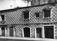Casa dos Bicos, Lisboa, Portugal by Biblioteca de Arte-Fundação Calouste Gulbenkian, via Flickr