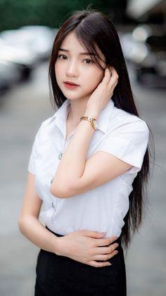 Beautiful Japanese Girl, Beautiful Asian Women, Stunning Girls, University Girl, Model Face, Cute Asian Girls, Ulzzang Girl, Asian Beauty, Korean Beauty