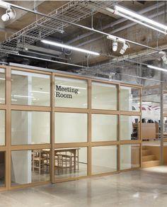 Schemata: Fuji Sangyo office Office Workspace, Loft Office, Open Office, Warehouse Office Space, Office Decor, Glass Office, Industrial Office, Estilo Industrial, Industrial Windows