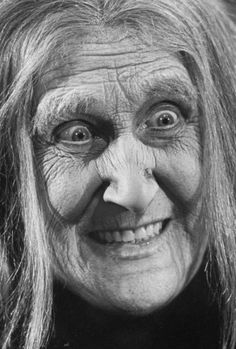 They're creepy and they're kooky: Audition photos for 'The Addams Family,' 1964 | Dangerous Minds Original Addams Family, The Addams Family 1964, Addams Family Tv Show, Family Tv Series, Roosevelt Family, John Astin, Charles Addams, Original Tv Series, The Originals Tv