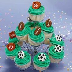 Score Big Cupcakes! You can field a terrific lineup of party cupcakes in no time just by adding a sports-themed icing decoration to your iced treat. They´ll go fast?especially when you serve them on the high-rising Cupcakes ´N More Dessert Stand.