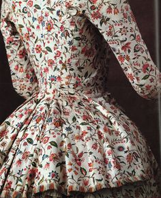Musée de la Toile, this was the only image I could find. Love this toile, so airy