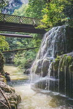 Cascada Bigăr // Bigăr Waterfall [Caraș-Severin, Romania]. Turism Romania, Visit Romania, Romania Travel, Bucharest Romania, Places Around The World, Travel Around The World, Beautiful Places To Visit, Places To See, Waterfall Fountain