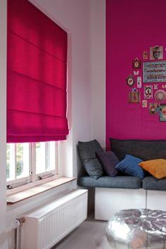 fenster sichtschutz wohnzimmer wandfarbe pink raffrollo