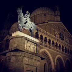 Notturno al Santo: Il Gattamelata di Donatello. Padua Veneto Italy