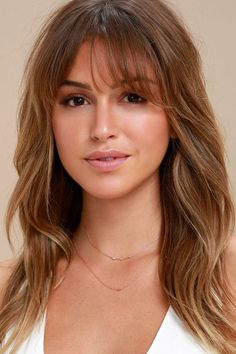 There's no wrong way to wear the Finer Things in Life Rose Gold Layered Choker Necklace! Two layers of dainty rose gold chain, embellished with tiny sparkling rhinestones. Shortest layer measures 12 with a 2 extender chain. Long Hair With Bangs, Haircuts With Bangs, Long Wavy Hair, Lob With Bangs, Long Layers With Bangs, Soft Bangs, Wispy Bangs, Medium Hair Styles, Curly Hair Styles