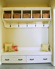 Under Bench Trundle Drawers - Mudroom Ana White Rustic Entryway, Entryway Storage, Entryway Ideas, Modern Entryway, Diy Storage, Woodworking Projects Diy, Woodworking Bench, Furniture Plans, Diy Furniture