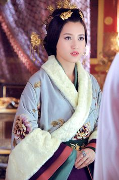 Supporting actress in 2015 Chinese period drama series 'Yun Zhong Ge' (Song in the Clouds).