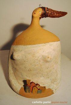 Donna Montalcino, scultura in cartapesta dedicata al mio paese, Montalcino.