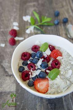 Budinca chia pentru un mic dejun rapid si sanatos este recomadarea mea pentru familia voastra! Acai Bowl, Breakfast, Food, Acai Berry Bowl, Morning Coffee, Eten, Meals, Morning Breakfast, Diet