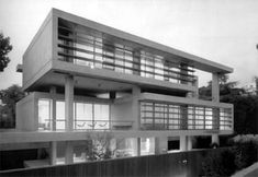 Samourka detached home (1999), Psychiko.    Designed by Zoe Samourka, it is an example of neo-modern architecture in Greece