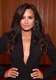 Brian Ortega, Demi Lovato Pictures, Brunette Beauty, Teen Vogue, Vogue Magazine, Style Icons, Sexy Women, Celebs, Female Celebrities