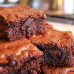 Look no further - we've loads of recipes for gooey, fudgy chocolate brownies. And don't miss our video to see how to make microwave brownies in a flash! Chocolate Chip Cookies, Chocolate Treats, Chocolate Morsels, Chocolate Chips, Melted Chocolate, Chocolate Pudding, Chocolate Recipes, Beste Brownies, Fudgy Brownies