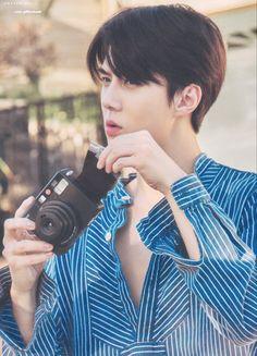 Present the moment Wallpaper Baekhyun Chanyeol, Sehun Cute, Boy Models, Xiu Min, Kpop Exo, Kaisoo, My Sunshine, Photo Book, Rapper