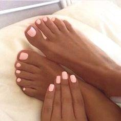 Light pink nails, tan skin #Pinknails #PedicureIdeas