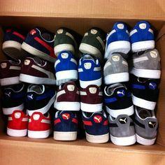 Only one pair of feet lol Mens Puma Shoes, Puma Sneakers, Puma Suede Mens, Suede Sneakers, Kicks Shoes, Pumas Shoes, Puma Outfit, Classic Sneakers, Sneakers Fashion