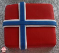 Norwegian Food, Norwegian Recipes, 17. Mai, Norway National Day, Bake Sale Packaging, Norway Food, Norwegian Vikings, Constitution Day, Champagne Brunch