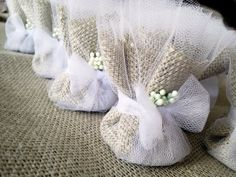 Burlap Wedding Favors Premium Tulle Burlap door RenaissanceBotanical, $200,00