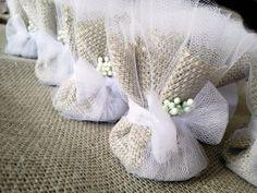 Burlap Wedding Favors Premium Tulle Burlap door RenaissanceBotanical, $200,00