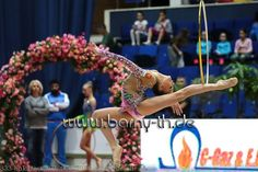Dina AVERINA (Russia) ~ Hoop @ GP Bukarest 2016 ☺️☺️ Photographer  Bernd Thierolf.