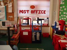 A super Post Office classroom display photo contribution. Great ideas for your classroom! Dramatic Play Themes, Dramatic Play Area, Dramatic Play Centers, Classroom Layout, Classroom Organisation, Classroom Displays, People Who Help Us, Role Play Areas, Play Spaces