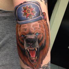 My Russian bear, by Neil Wilson @ Six Feet Under in California Usa Tattoo, Bizarre News, Six Feet Under, Traditional Tattoos, Weird Pictures, Weird Facts, Cool Suits, Cool Tattoos, 18th
