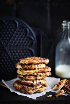 Korvapuustivohvelit | Makeat leivonnaiset | HS