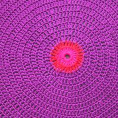 Banquinho Crochet Dot Roxo EXCLUSIVIDADE - Gift Express