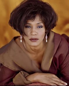 Whitney Houston, Black Celebrities, Hollywood Celebrities, Celebs, Divas, Vintage Black Glamour, African American Women, Dark Beauty, Female Singers