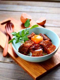 マーマレードとにんにくの豚角煮丼